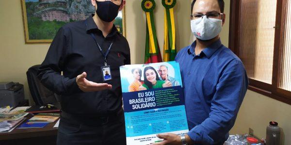 """Prefeito de Caçapava do Sul recebe a campanha """"Eu sou brasileiro solidário"""""""